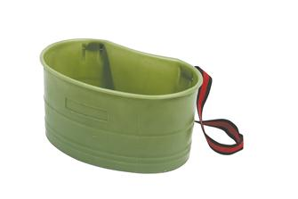 Highly resistant injection moulded front facing gathering basket