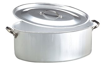 Oval 50x36 cm casserole dish with a lid