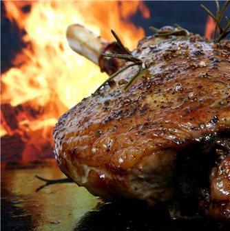 2 recipes for leg of lamb, 3 ways to prepare it